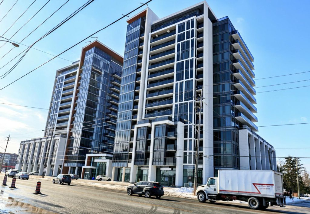 Condo Apartment Richmond Hill Realtor Peresunko Andrei Квартира в Ричмонд Хилл - 9608 YONGE Street #710A