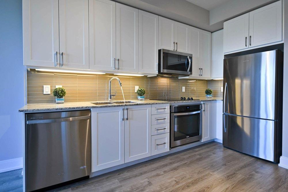 Condo Apartment Richmond Hill Realtor Peresunko Andrei Квартира в Ричмонд Хилл - 9608 YONGE Street #810A
